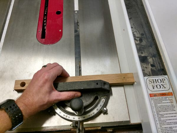 How To Use A Table Saw Without Losing Your Fingers: Safety Tips 4